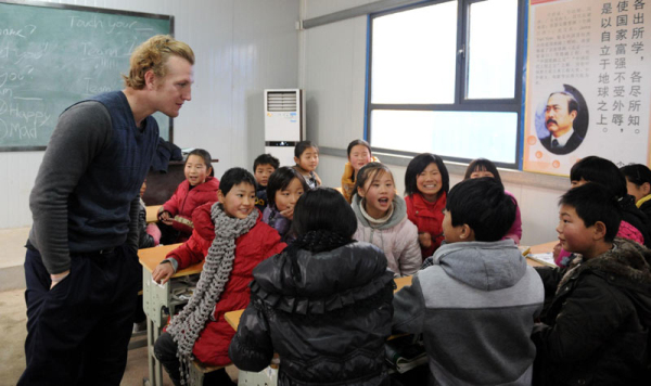 BT 201802 Last words 03 Foreigner teaches at Chinas rural schools